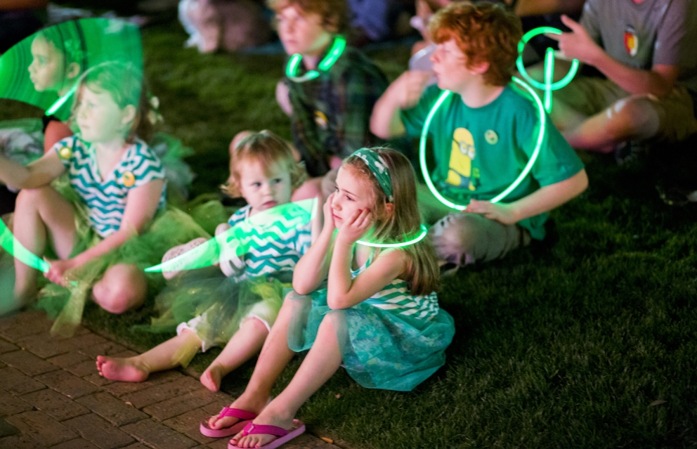 children in green